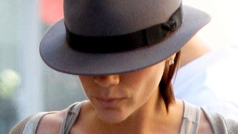 Victoria Beckham påstår hun har samme størrelse som Jennifer Lopez.