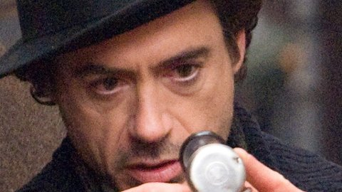 ROBERT DOWNEY JR spiller Sherlock Holmes, mens Jude Law er hans Dr. Watson i Guy Ritchies nye storfilm om Arthur Conan Doyles detektiv.