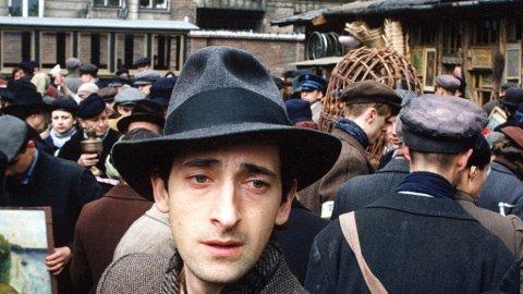 ADRIEN BRODY som pianisten i Warszawa-ghettoen i Roman Polanskis Oscar-belønte film.