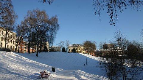 Pent vintervær ved Akerselva på Grünerløkka.