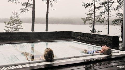La tankene fare i det varme badet på Zen Resort & spa.