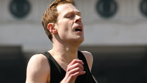 BANKRØVER OG SPORTSHELT: Andreas Lust som en av Østerrikes verste bankrøvere og beste maratonløper på 1980-tallet.