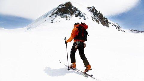 Toppturer er kjempefin opplevelse, men forhør deg om snøskredfare før du drar.
