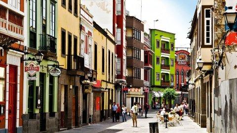 Takket være beliggenheten mellom Europa, Afrika og Sør-Amerika, har byen skaffet seg en særegen latinsk puls.