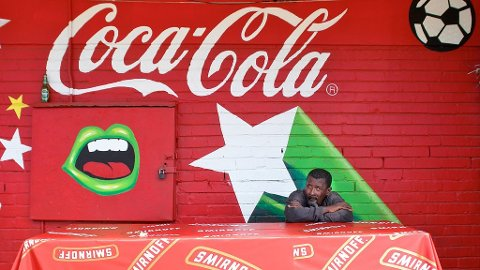 Fotball-VM går snart av stabelen og Sør-Afrika venter spent.