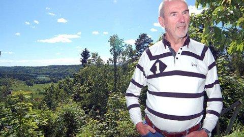 HOLDER STILEN: Per Martin Linnebo faller lett og trenger hjelpemidler i det daglige. Han holder likevel stilen.
