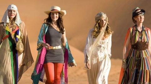 TILBAKE: Samantha, Charlotte, Carrie og Miranda i ørkenen.