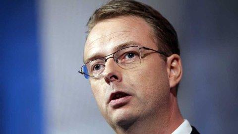 SPEKULERER: Terje Søviknes er blitt invitert til statsministerens kontor på møte førstkommende tirsdag. Nå spekulerer han i om regjeringen vender, og opphever vedtaket om kraftlinjesaken i Hardanger.