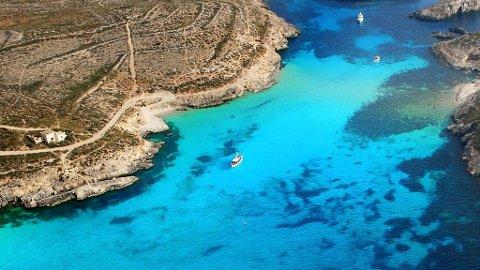 Maltas blå lagune er et smykke av det slaget kitchmalere bruker som modell når de skal beskrive paradiset.