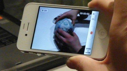 Hvite iPhone 4 finnes i hendene på noen få, men Apple er ikke fornøyd nok med kvaliteten til å sende den ut i butikkene.