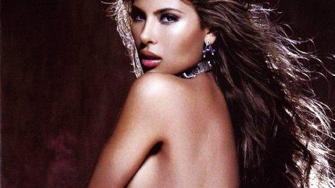 Smellvakre Angie Sanclemente avbildet i meksikanske H Magazine.