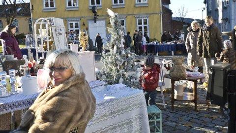 Julemarked på torget i Drøbak.