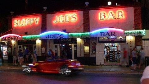 Sloppy Joe's bar var en av Ernest Hemingways stamsteder i Key West.