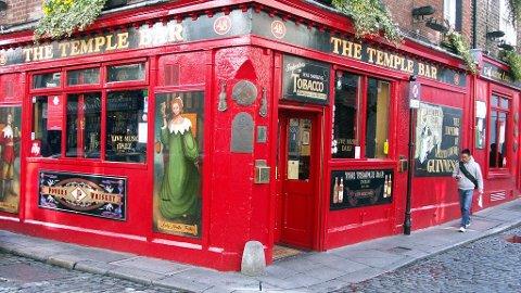 Temple Bar-området anbefales alle på dagtid, men på kveldstid bør du mobilisere solid festhumør for å trives.