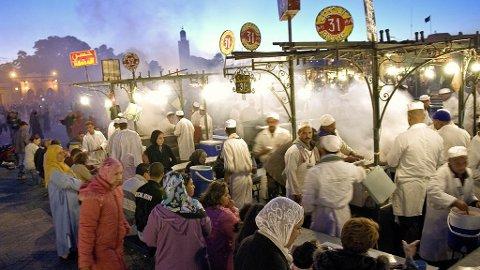 Djema el-Fna er stedet Marrakech dreier rundt.
