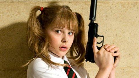 KICK-ASS: Chloe Mortez som 10 år gamle Hit Girl i «Kick-Ass».