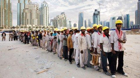 Arbeidere fra alle verdens fattige land kommer til Dubai og ser gjennom fingrene med slit og slavearbeid.