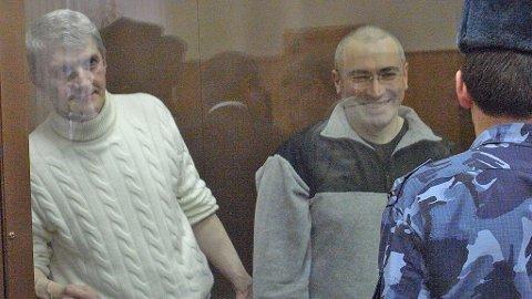 REGISSØREN Cyril Tuschi fikk tilgang til Mikhail Khodorkovskij i arbeidsleiren der han sitter til 2017.