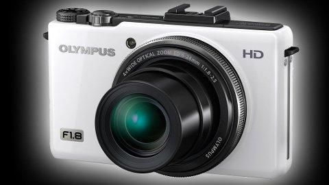 MØRKETS FYRSTE: Olympus XZ-1 tar de beste bildene i mørke omgivelser av alle kompaktkameraer på markedet i dag.