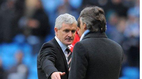 SKUFFET: Fulham-manager Mark Hughes mener Mancini manglet respekt etter kampslutt, søndag. Det er dette håndtrykket som skaper frustrasjon hos Hughes.