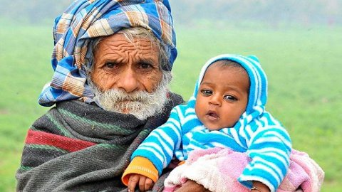 VERDENS ELDSTE FAR, her sammen med sin første sønn, har blitt far for andre gang i en alder av 94.