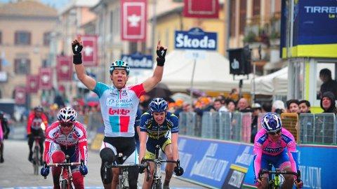 Gilbert vinner femte etappe av Tirreno-Adriatico 2011 foran Wout Poels og Damiano Cunego.