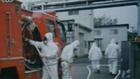 Redningsmannskapene ved Fukushima arbeider på spreng for å unngå en katastrofe.