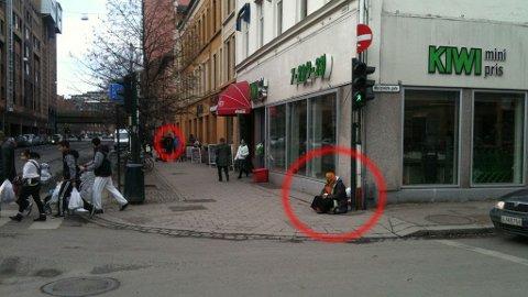 På Grønland sto to tiggere plassert femti meter fra hverandre i mars. Den ene på gatehjørnet. Den andre kvinnen satt i smuget ved McDonalds 50 meter unna.