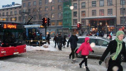 Vintervær på Majorstua - snø og vind.