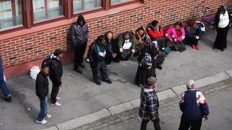 Rumenerne stimlet rundt Frelsesarmeens lokaler på Grønland når organisasjonen enda hadde tilbudet.