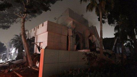 BOMBET: NATO bombet Gaddafis hovedkvarter.