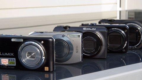 De fem testkameraene går alle fint i lommen og tar bedre bilder enn mobiltelefonen.