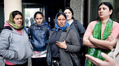 Sigøynerne i Bergen mener myndighetene burde gjort mer for å gi dem jobb? Får vi en jobb, så tar vi den, sier de.