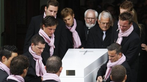 Wouter Weylandt kiste begravelse