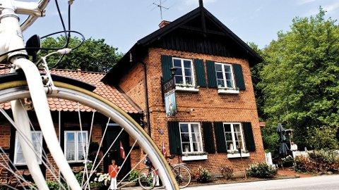 I Danmark er det ikke langt mellom vertshusene, heller ikke på sykkel.