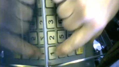 SVINDEL: Bulgareren brukte videokameraer på størrelse med et knappenålshode.