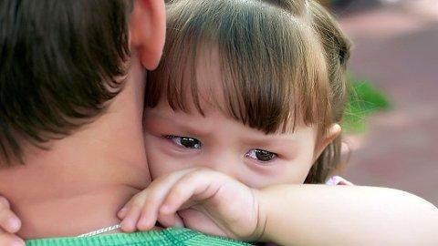 ULIK SORGREAKSJON: Barns sorgreaksjoner vil på mange måter ligne voksnes reaksjoner med savn, lengsel og gråt, men atskiller seg også på en del områder.