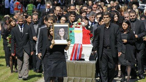 BEGRAVET: Bano Abobakar Rashid ble fredag begravet fra Nesodden kirke.