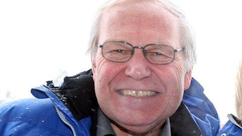 POPULÆR: De fleste kjenner igjen stemmen til Arne Scheie når han kommenterer sporten på NRK.