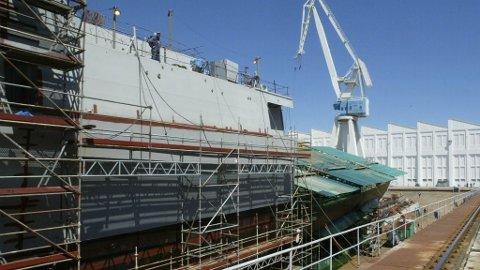Spansk marinefartøy som bygges ved Izar verftet i Ferrol, Nord-Spania, som også bygger de fem norske fregattene.