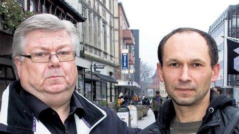 UMENNESKELIG: Frithjof Dattner, til venstre, mener Aronas Kanapienis jobber under uverdige forhold.