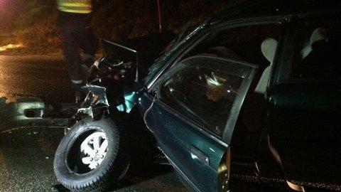 SMADRET: En av bilene etter frontkollisjonen var fullstendig knust.