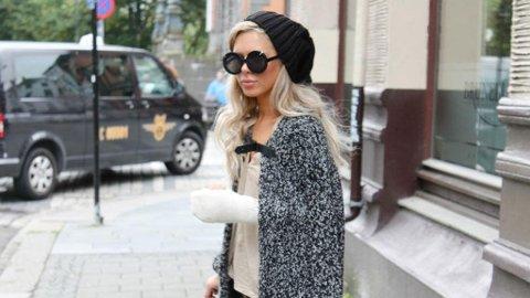 - Jeg liker effekten av at en cape ser ut som kjæresten har svøpt om deg med jakken sin, sier moteblogger Ulrikke Lund om trendplagget.