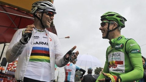 Thor Hushovd (Garmin-Cervélo) i verdensmestertrøyen og Philippe Gilbert (Omega Pharma-Lotto) i den grønne trøyen.