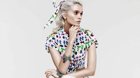 H&M + VERSACE: Den er vakre Abbey Lee Kershaw som fronter tilleggskolleksjonen.