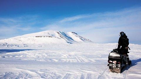 Snøscooter er bare en av mange aktiviteter som kan gjøre vinteren hakket mer leken og moro.