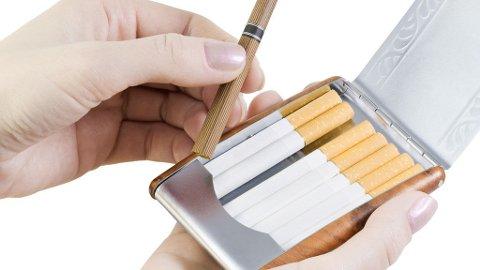 GJELDER OGSÅ FOR DE SOM RØYKER FÆRRE: Selv de som røyker under ti røyk om dagen, har en halvparten så stor risiko for tidlig dødsfall i forhold til de som ikke røyker.
