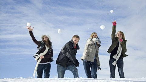 I Vardø braker det løs i mars med storstilt snøballkrig!