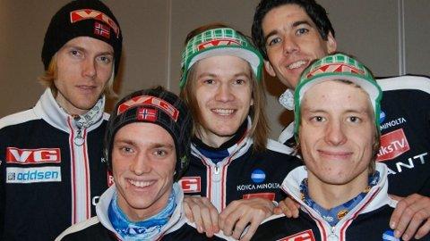 Bjørn Einar Romøren, Anders Fannemel, Tom Hilde, Anders Bardal og Rune Velta utgjør Norges lag i VM i Vikersund.