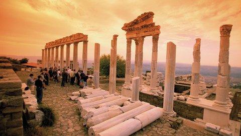 Du finner ruiner etter både grekere, persere og romere i Izmir.